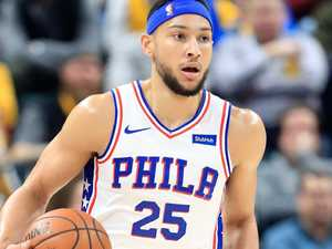 Simmons puts hand up for Boomers
