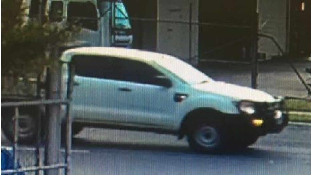 After stealing his wallet, the offender fled the scene in a white Ford Ranger, which was driven by an accomplice.