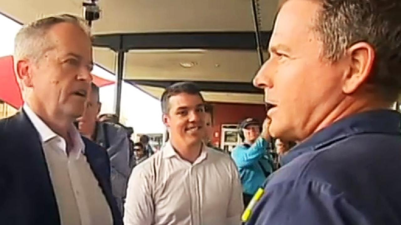Bill Shorten chats to the Gladstone Ports subcontractor in the moment that sparked the controversy.