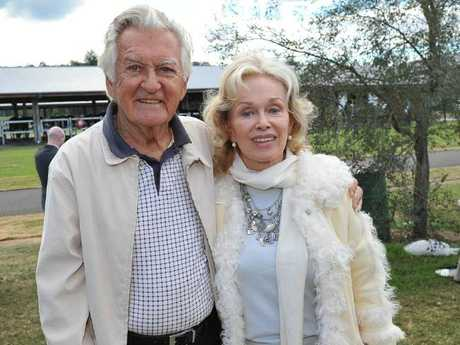 Bob Hawke with his wife Blanche d'Alpuget.