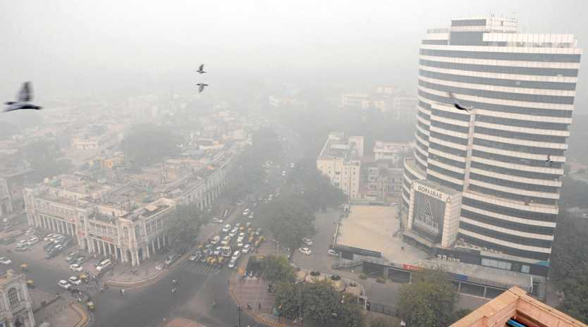 The Indian capital engulfed in smog in New Delhi, India.