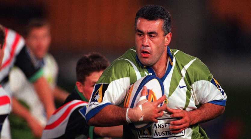 Quentin Pongia in action for the Canberra Raiders against Penrith in 1997.