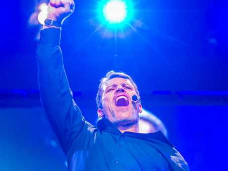 Tony Robbins pumps up the crowd. Picture: Supplied