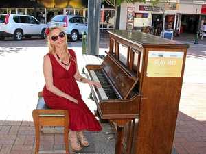 Free singing lessons for public at CBD piano