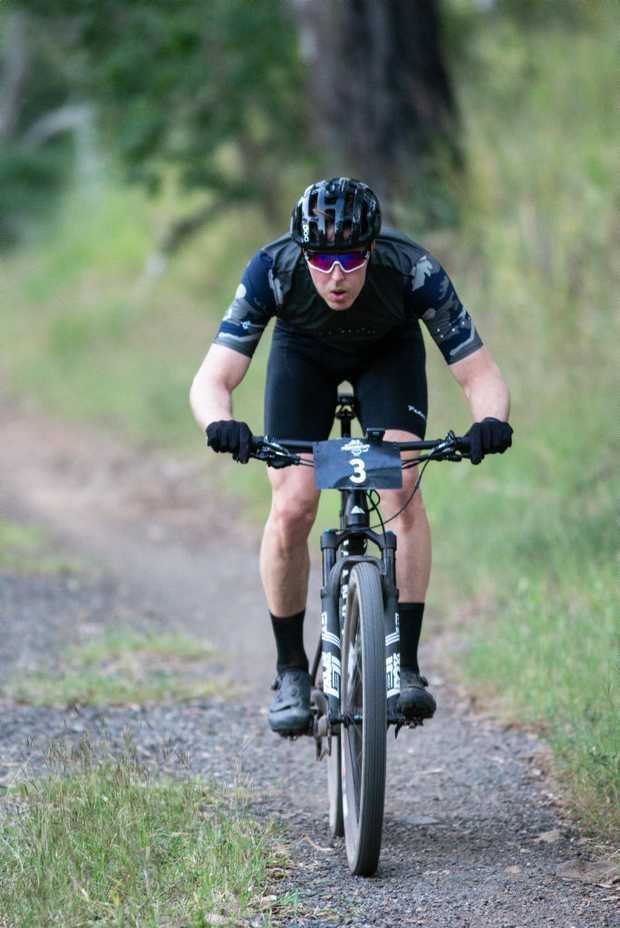 Image for sale: 6 hour mountain bike race, Ollie Saare.