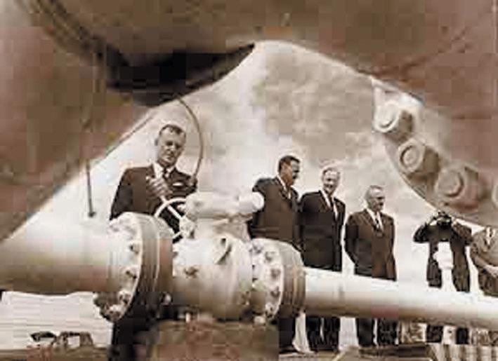 PUMPING GAS: Premier Joh Bjelke-Petersen opened the Roma to Brisbane Pipeline in 1969.