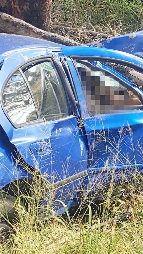 A blue ford that crashed between Wondai and Chinchilla.