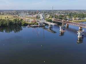 Grafton Bridge takes shape
