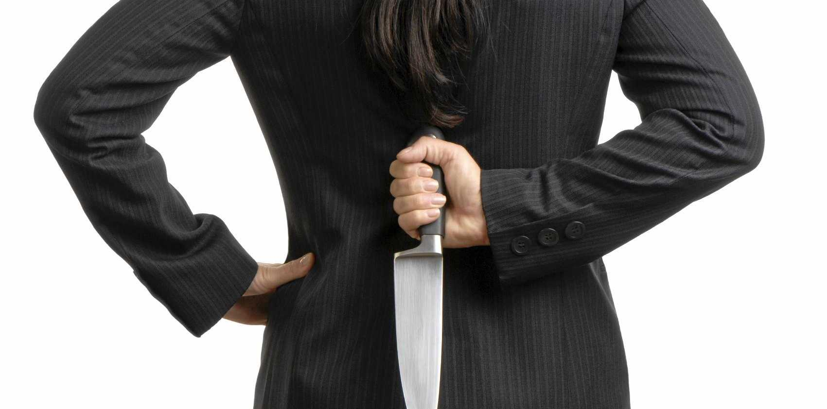 A woman threatened to cut her boyfriend's throat with a butcher's knife.