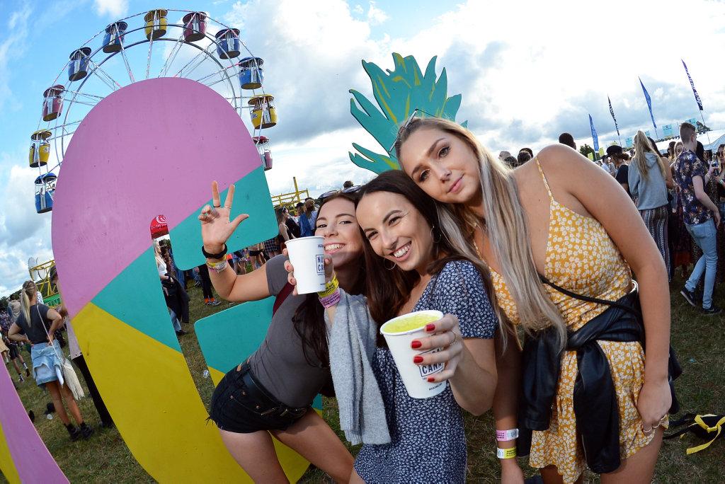 Big Pineapple Music Festival. Laura Maclachlan, Selena Johnson and Monika Milner.