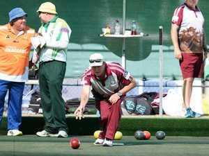 Bowls: Mark Howe.