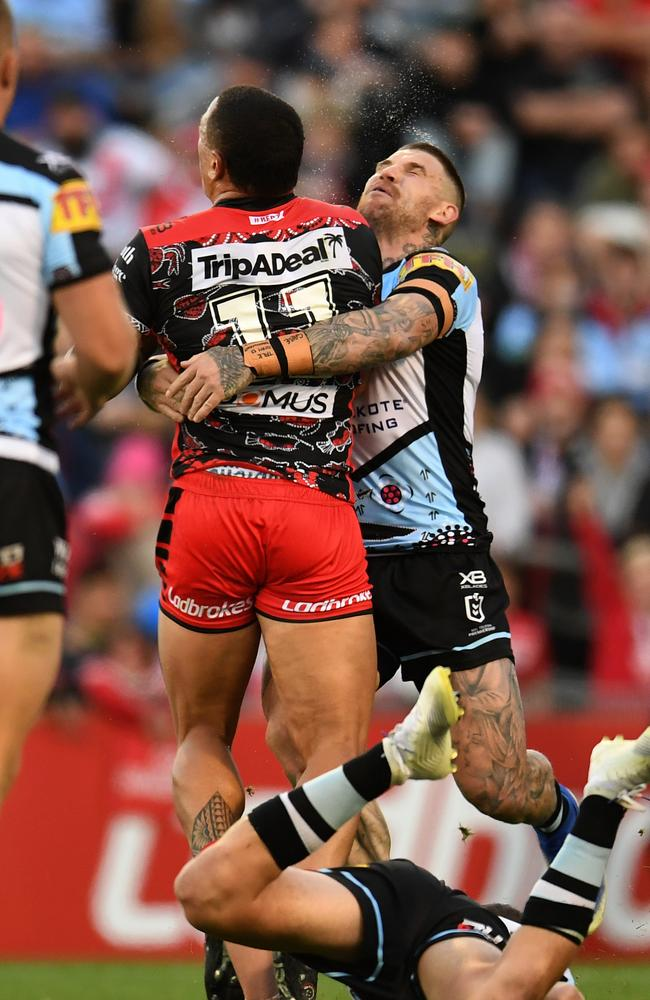 Josh Dugan and Tyson Frizell both failed to finish the game following a heavy collision. (AAP Image/Dean Lewins)