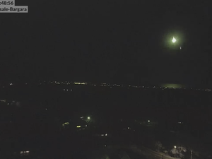 WATCH: Suspected meteor spotted across Queensland coast