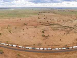 Parade of hundreds of RV's smash Guinness World Record