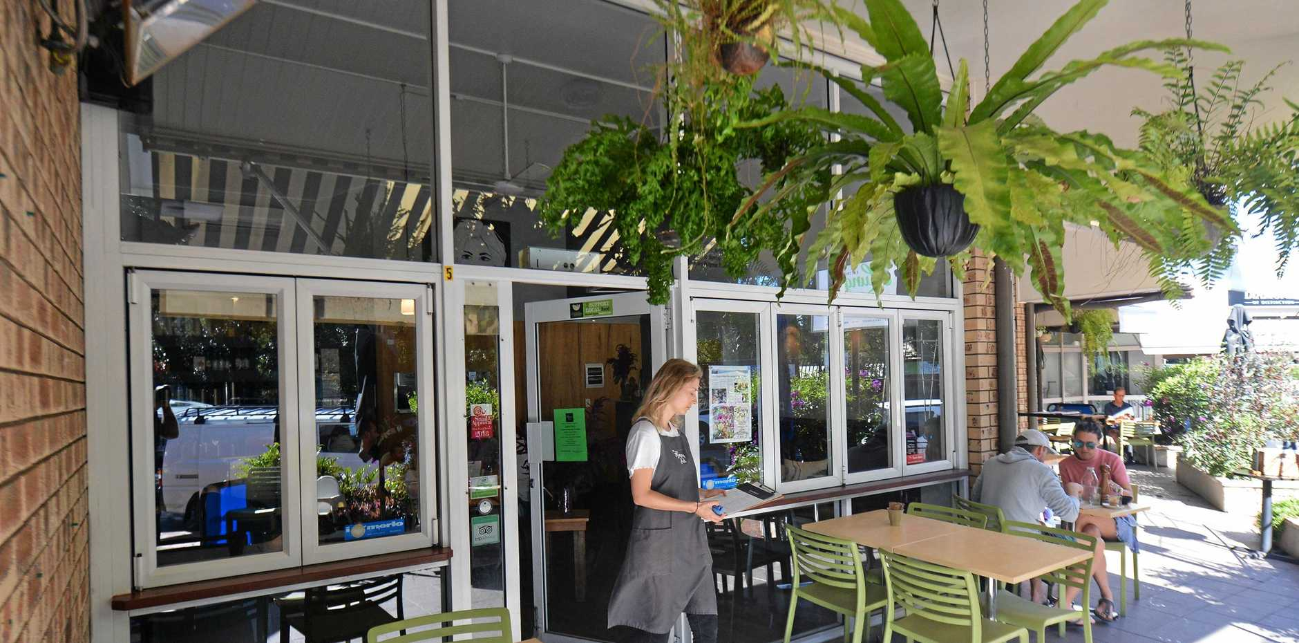 Resaurant awards review on Hungry Feel, Buderim.