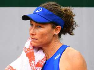 Barty continues winning ways, Stosur out