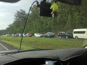 Multiple car crash causes Bruce Hwy traffic chaos