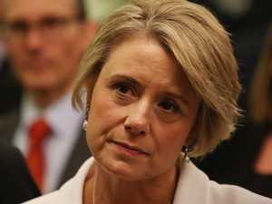 Keneally forced to defend refugee comments