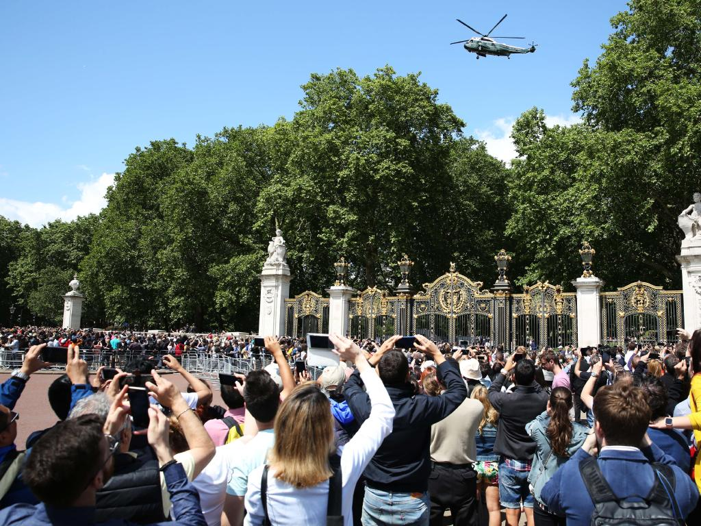 Crowds outside Buckingham Palace. Picture:  Dan Kitwood/Getty Images