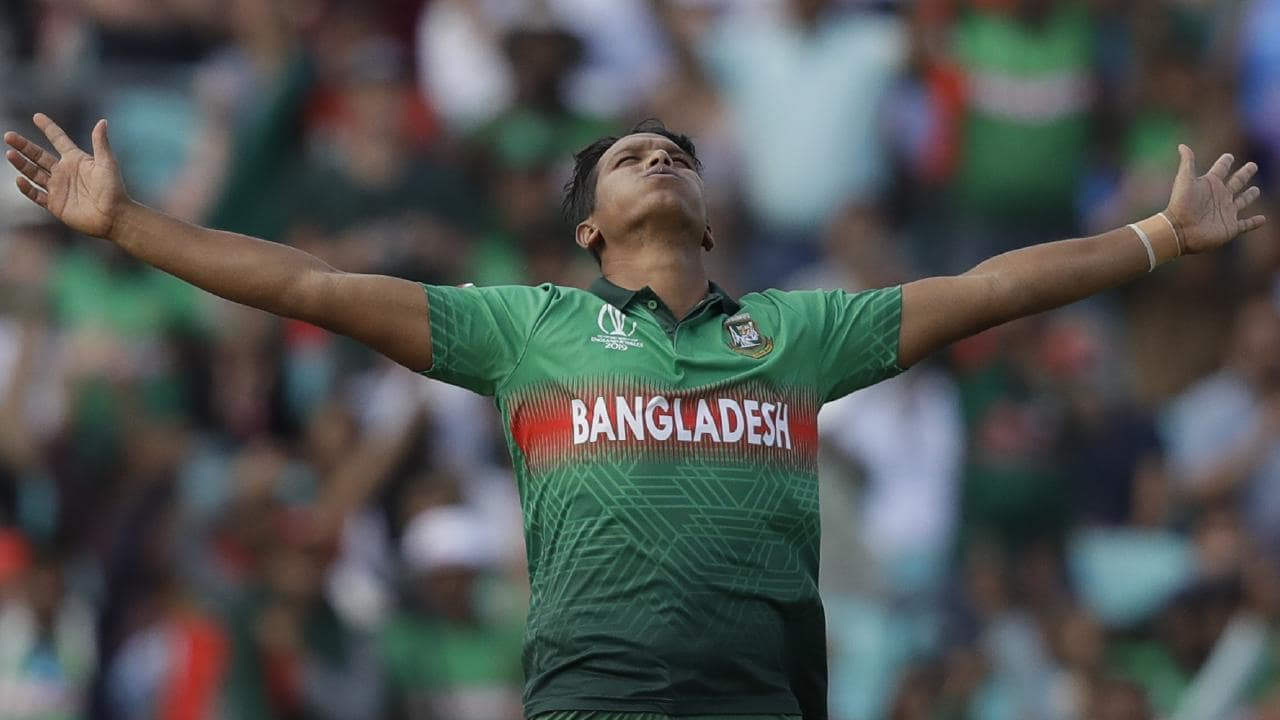 Mohammad Saifuddin celebrates taking the wicket of Rassie van der Dussen.
