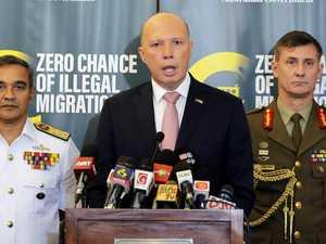 Aussie pilots help rescue asylum seekers on sinking boat