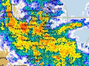 Airport chaos as wild weather lashes Sydney