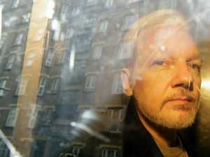 Judge rejects Assange detention