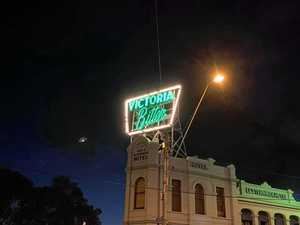 Spooky image captures flying saucer over Melbourne