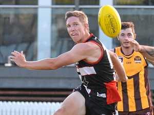 Who leads the AFL Mackay goalkicking race?