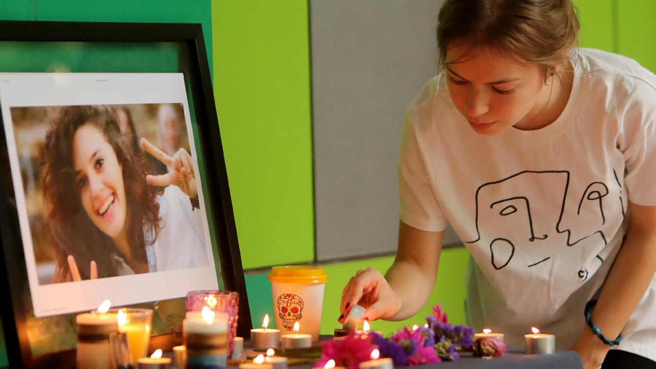 Hundreds mourned at a vigil for Aiia Maasarwe at her school, La Trobe University. Picture: The Australian.