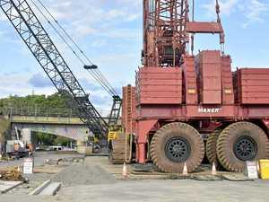 WATCH: How rail bridge crane was built