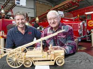 15,000 match sticks: Amazing replica of fire engine