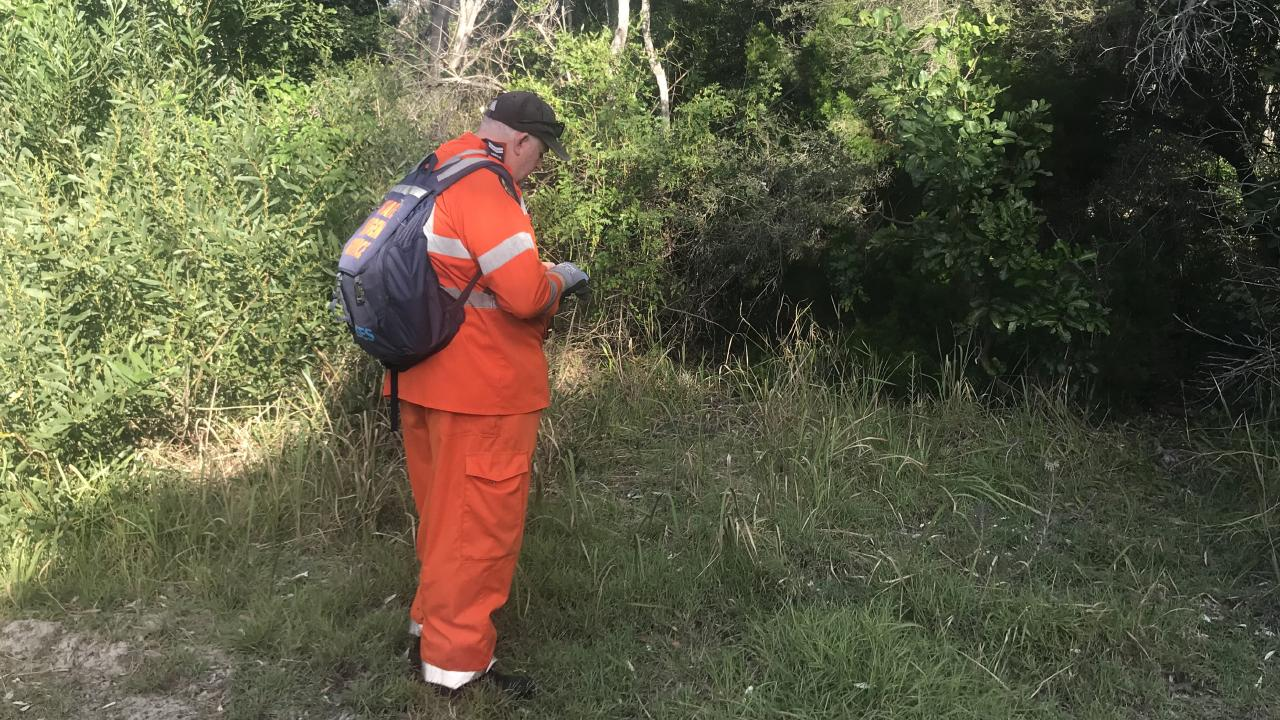 Police and the SES searched the bush on Sunday for signs of Mr Hayez.