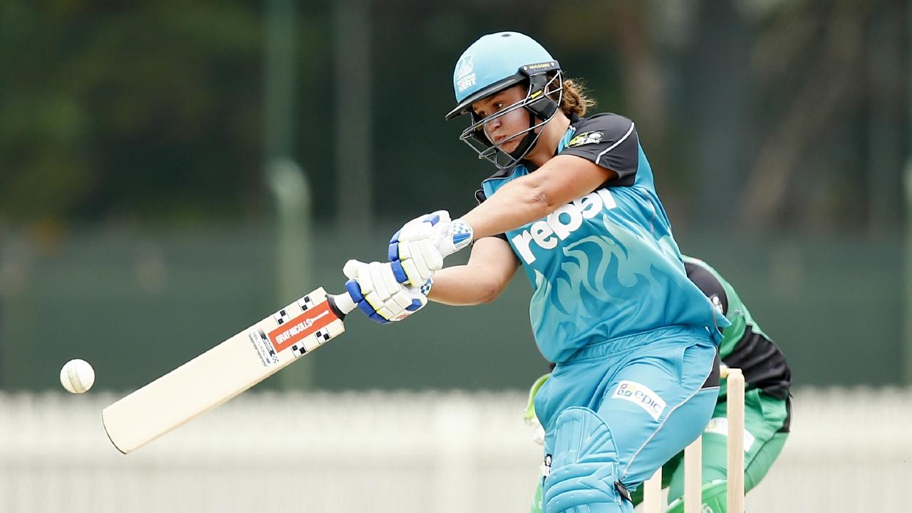 Ash Barty hit 39 runs against the Melbourne Stars in 2015. Picture: Colleen Petch