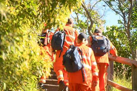 SES search the area around the Byorn Bay Lighthouse as well as Tallows Beach and The Pass in the search for missing backpacker Theo Hayez.