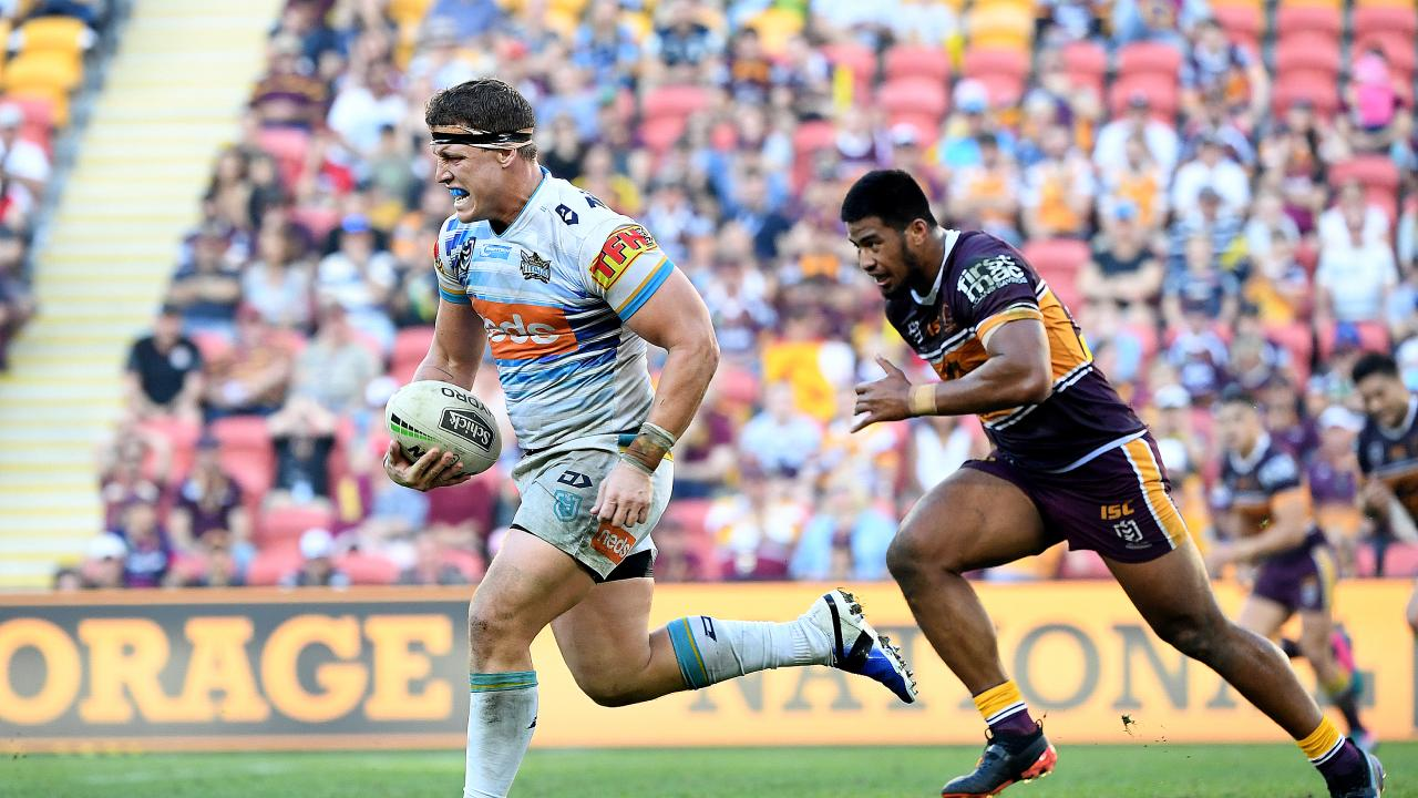 Jarrod Wallace of the Titans gets into space during the Round 13 NRL match between the Brisbane Broncos and the Gold Coast Titans at Suncorp Stadium in Brisbane, Sunday, June 9, 2019. (AAP Image/Dave Hunt) NO ARCHIVING, EDITORIAL USE ONLY