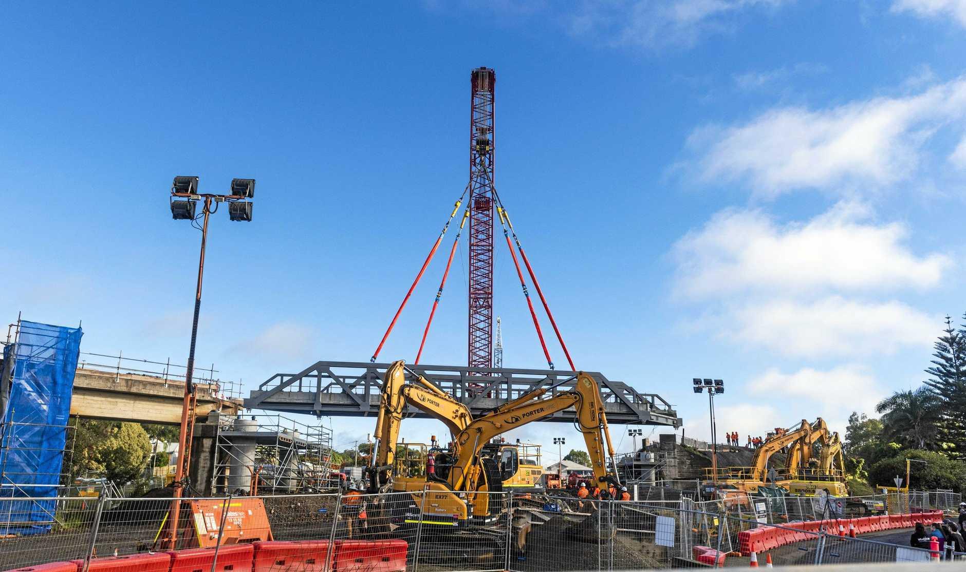Work on replacing the rail bridge at Pound Street as part of Grafton bridge construction.
