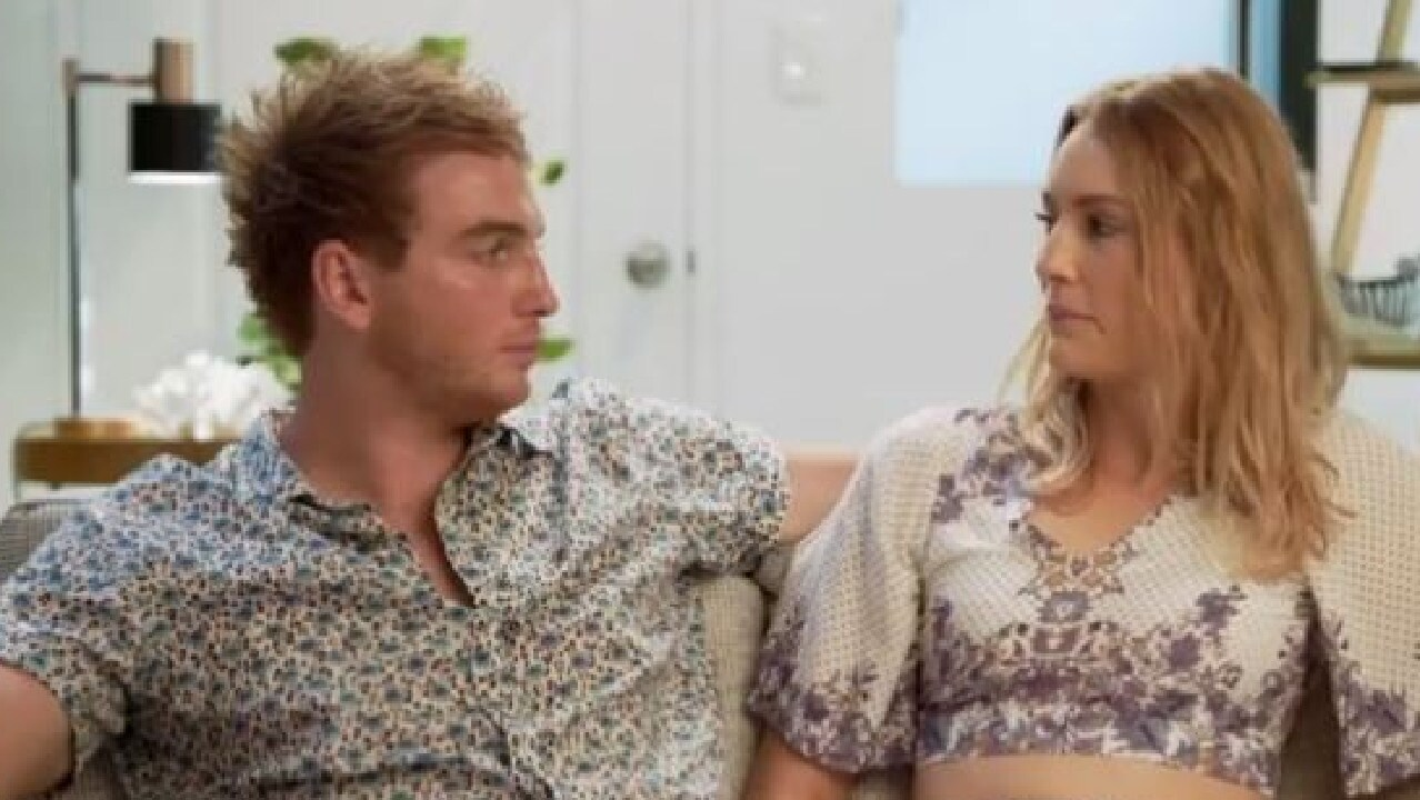 Lachlan is keen to settle down, while Miranda isn't so sure.