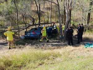 UPDATE: Teen taken to hospital after West Gladstone crash