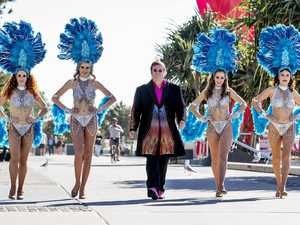 'Elton John' swamped by fans on the Gold Coast