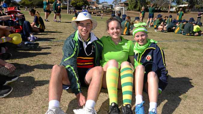 QUIRKIEST OUTFITS: Students dress in crazy best for carnival