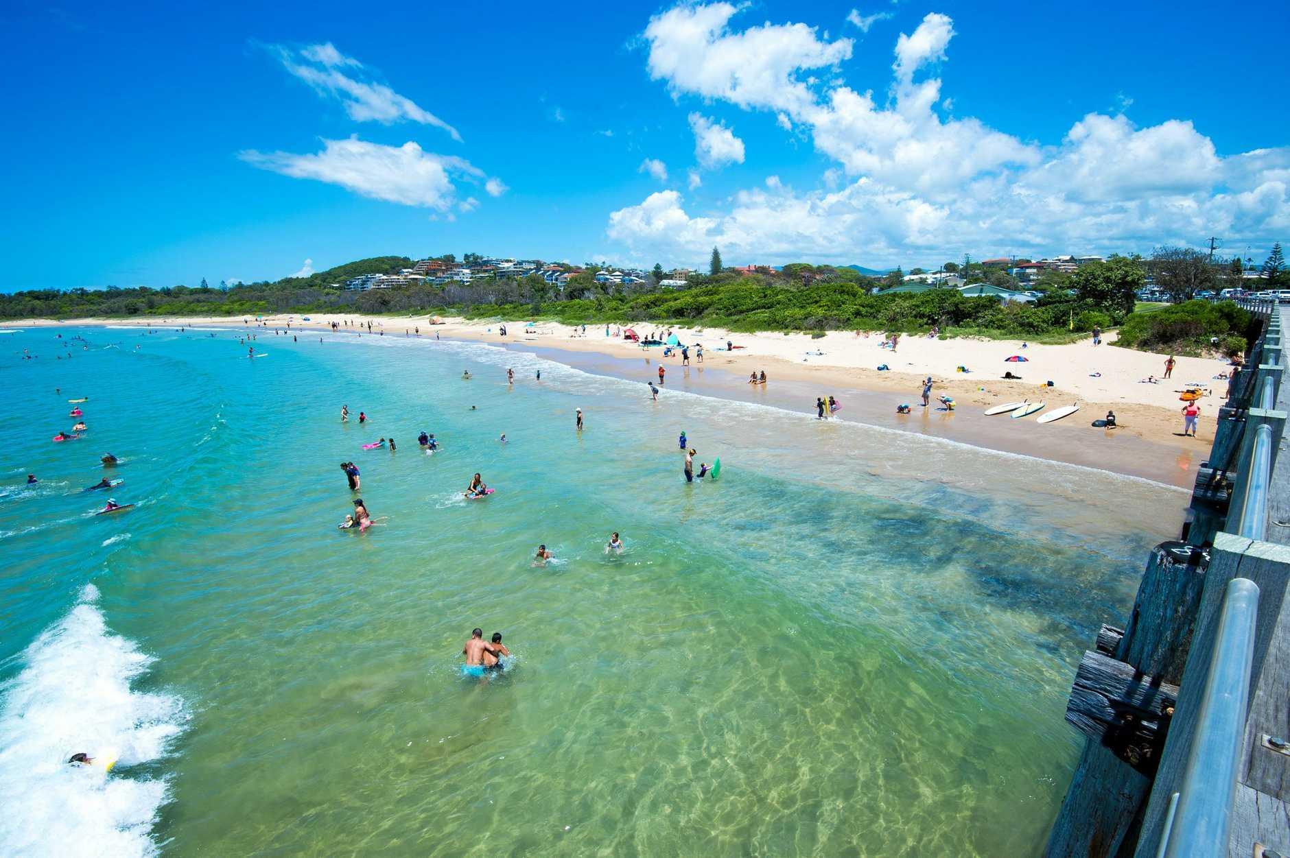 Jetty beach , Coffs Harbnour tourist beach goers. 15 JANUARY 2015 Photo Trevor Veale / Coffs Coast Advocate
