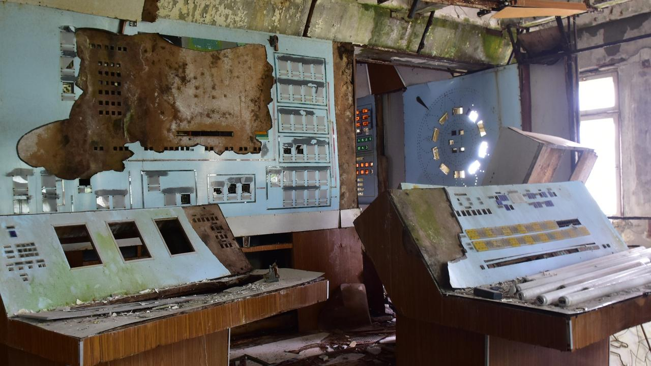 The Duga radar's control room now lies abandoned.