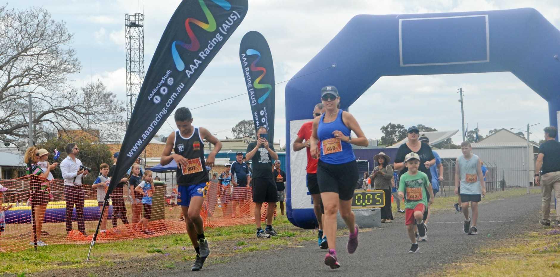 The start of the 5km race at the Murgon marathon running festival.