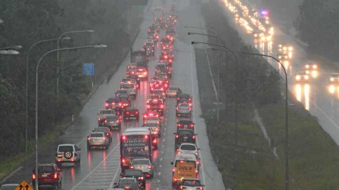 Motorway nightmare: Wet weather causes bulk delays