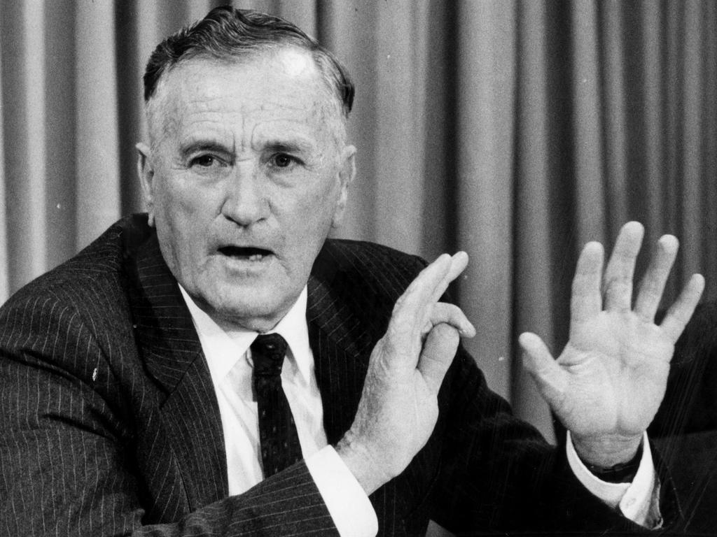 Former Queensland deputy premier Bill Gun. Picture: Barry Pascoe