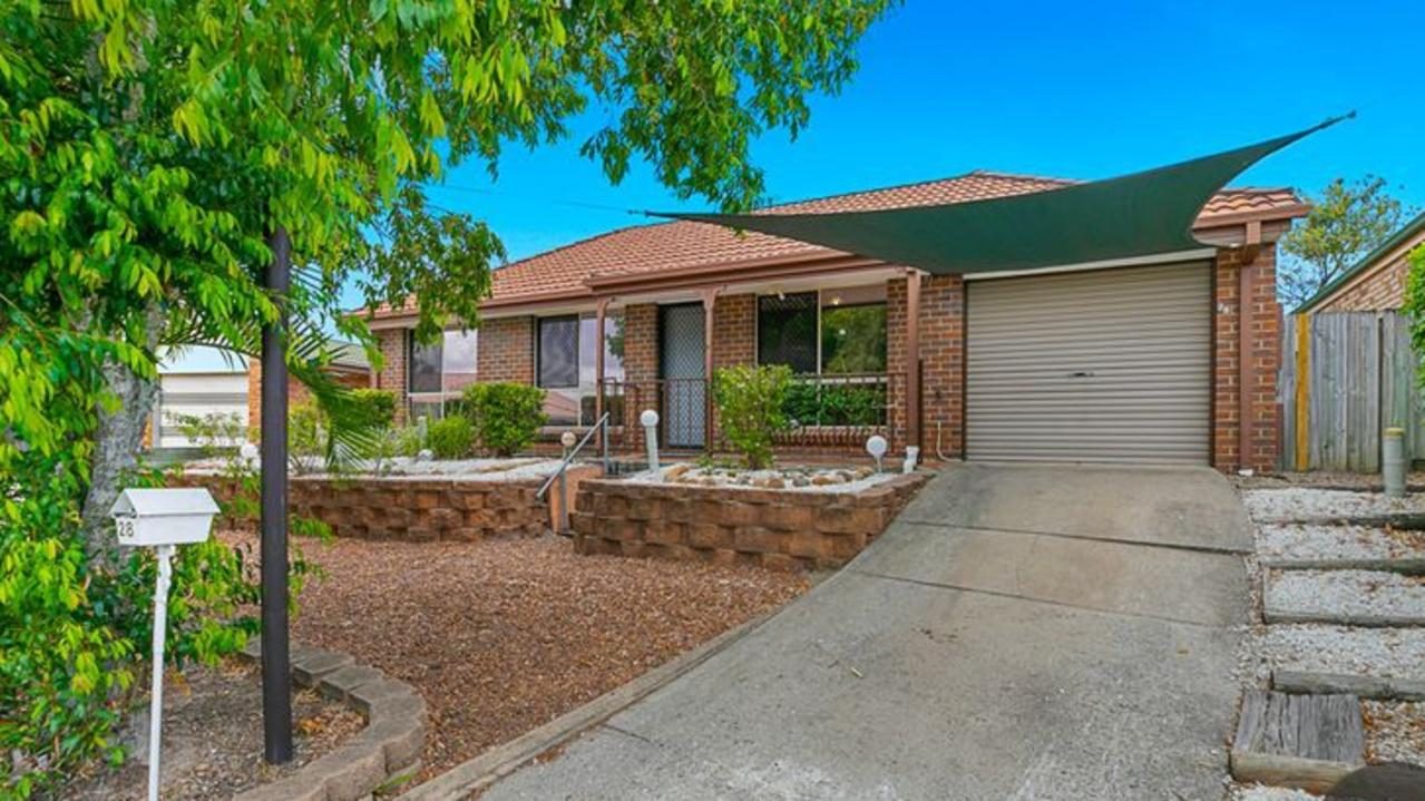 This house at Tingalpa is listed for offers over $429,000