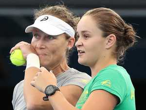 Barty and Stosur bring clear minds to Wimbledon