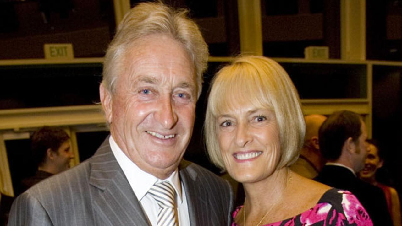 Event Socials - Griffith University glycomics research fundraising dinner, Royal Pines Resort, Gold Coast : Warren Von Bibra and Sally Von Bibra