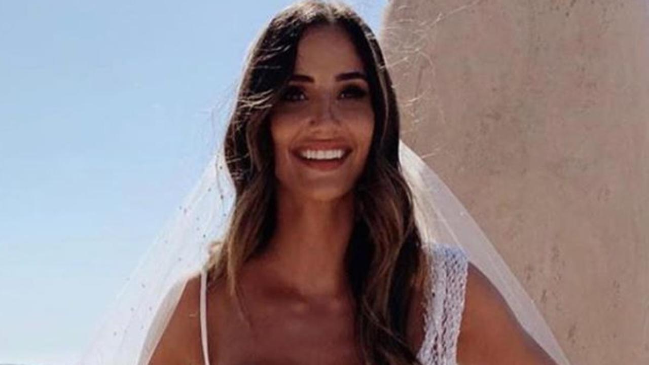 Bride's stunning wedding dress shred